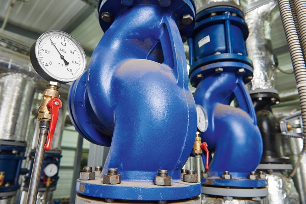 istock_000059279058_xxxlarge_extended_license_pipes_thermometer.jpg