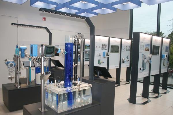 Aquarama un immeuble de bureaux moderne inspire et stimule la